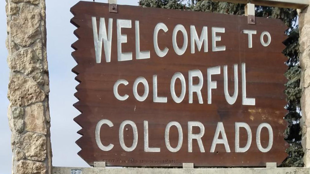 welcome-to-colorful-colorado-sign